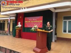 Thượng tướng Nguyễn Huy Hiệu giao lưu với giáo viên và học sinh trường THCS Đào Sư Tích